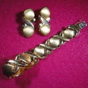 XO Hugs & Kisses Bracelet & Earrings 14K